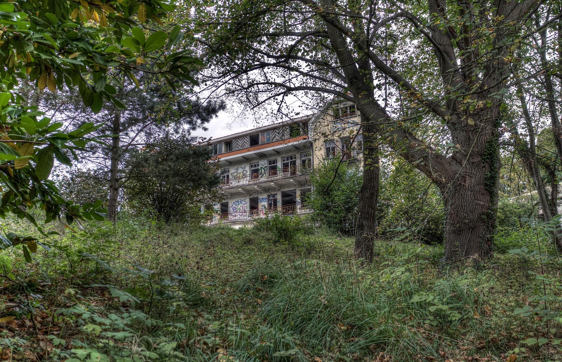 Institute H.J.